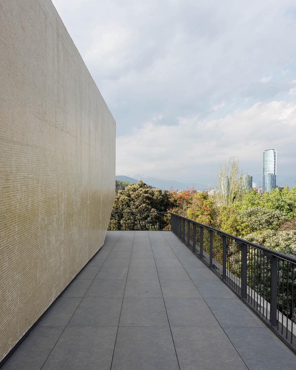 08-arquitectura-chilena-edificio-escuela-arquitectura-uc-gonzalo-claro