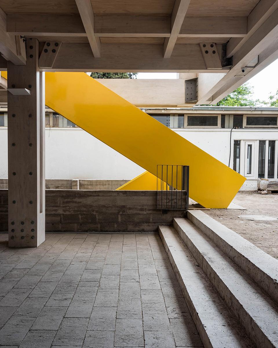 09-arquitectura-chilena-edificio-escuela-arquitectura-uc-gonzalo-claro
