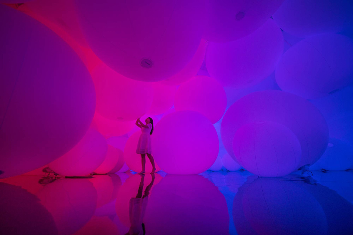 01-homogenizing-and-transforming-world-teamlab