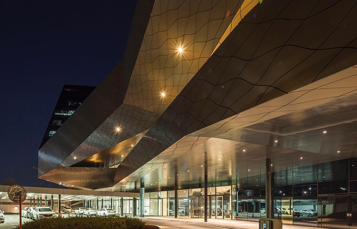 06-hyundai-motorstudio-goyang-delugan-meissl-associated-architects
