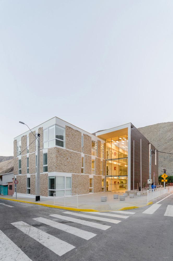 09-arquitectura-chilena-edificio-consistorial-alto-del-carmen-espiral-arquitectos-iglesis-prat