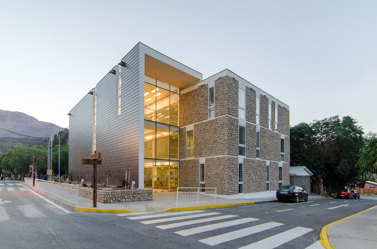 10-arquitectura-chilena-edificio-consistorial-alto-del-carmen-espiral-arquitectos-iglesis-prat