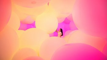 11-homogenizing-and-transforming-world-teamlab