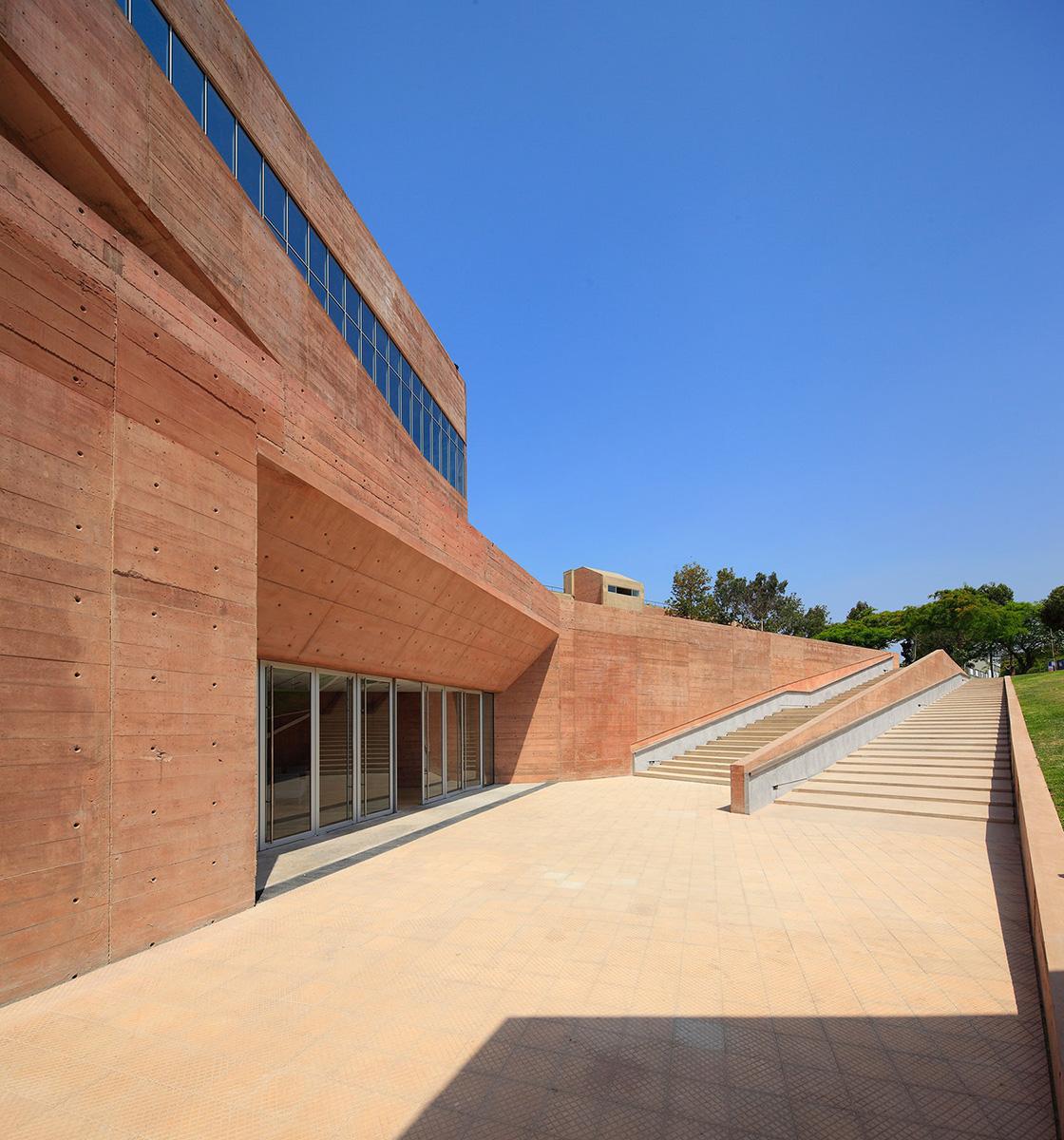 02-biblioteca-ciencias-ingenieria-arquitectura-pucp-foto-juan-solano-ojasi