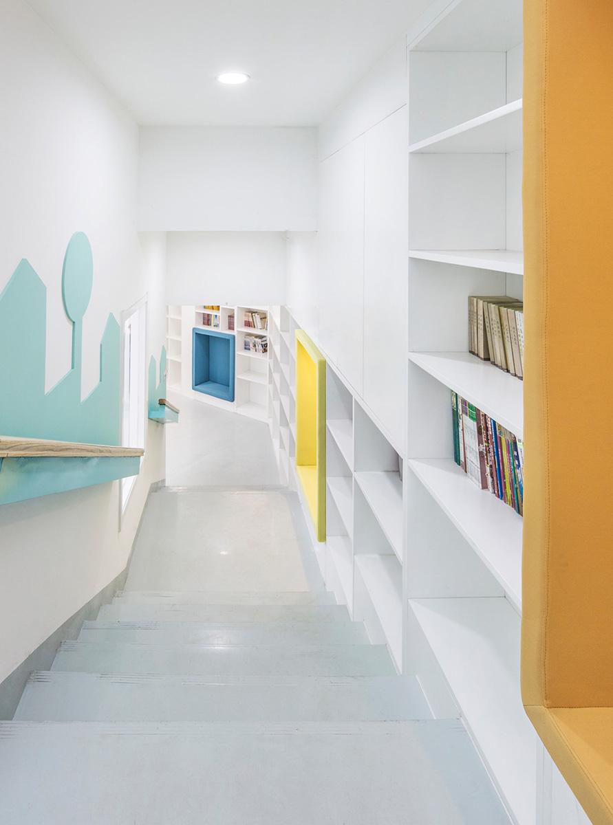 03-big-family-community-center-mat-office