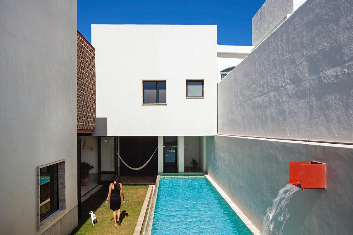 04-iguana-house-obra-blanca-foto-adrian-llaguno