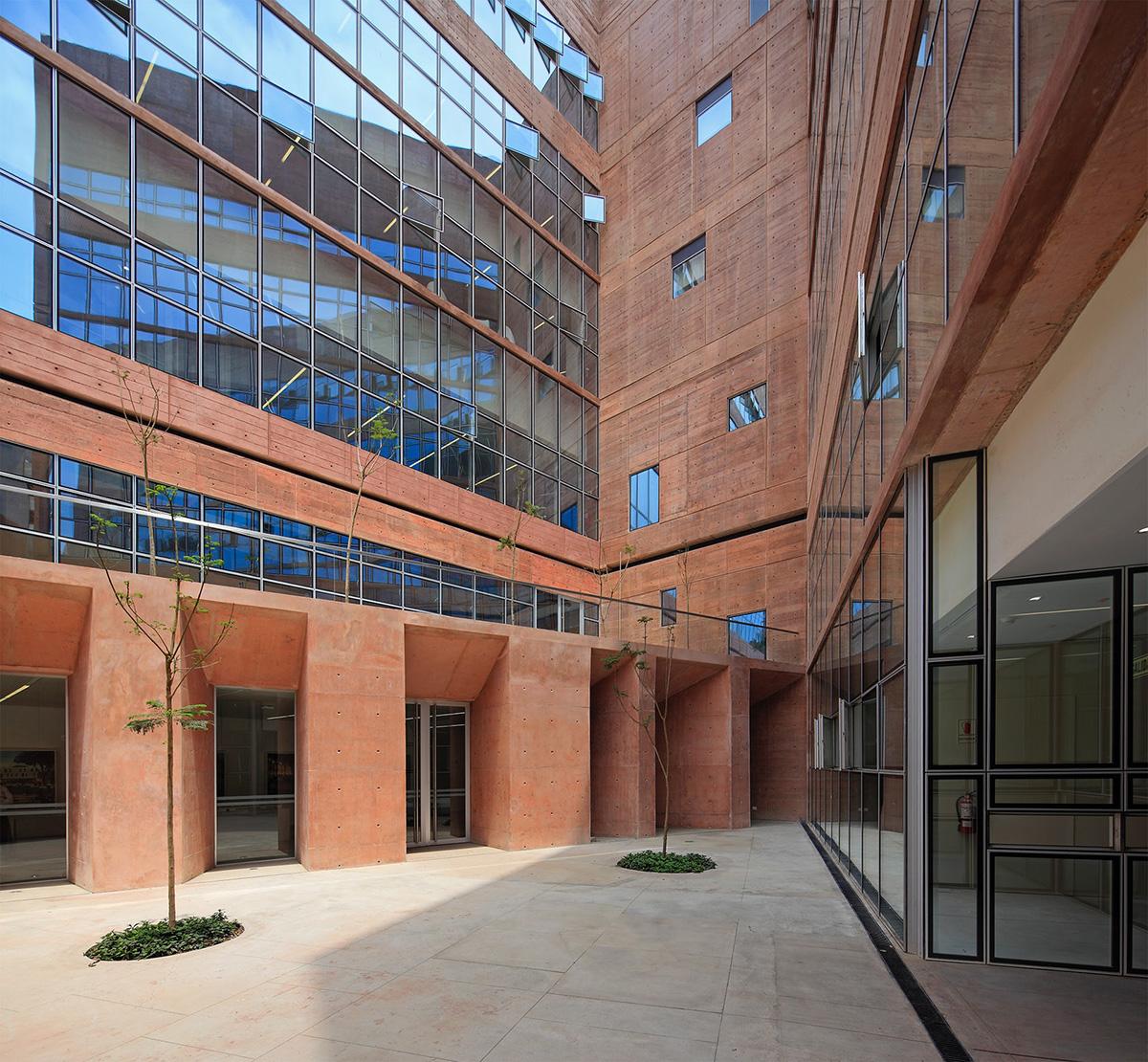 05-biblioteca-ciencias-ingenieria-arquitectura-pucp-foto-juan-solano-ojasi