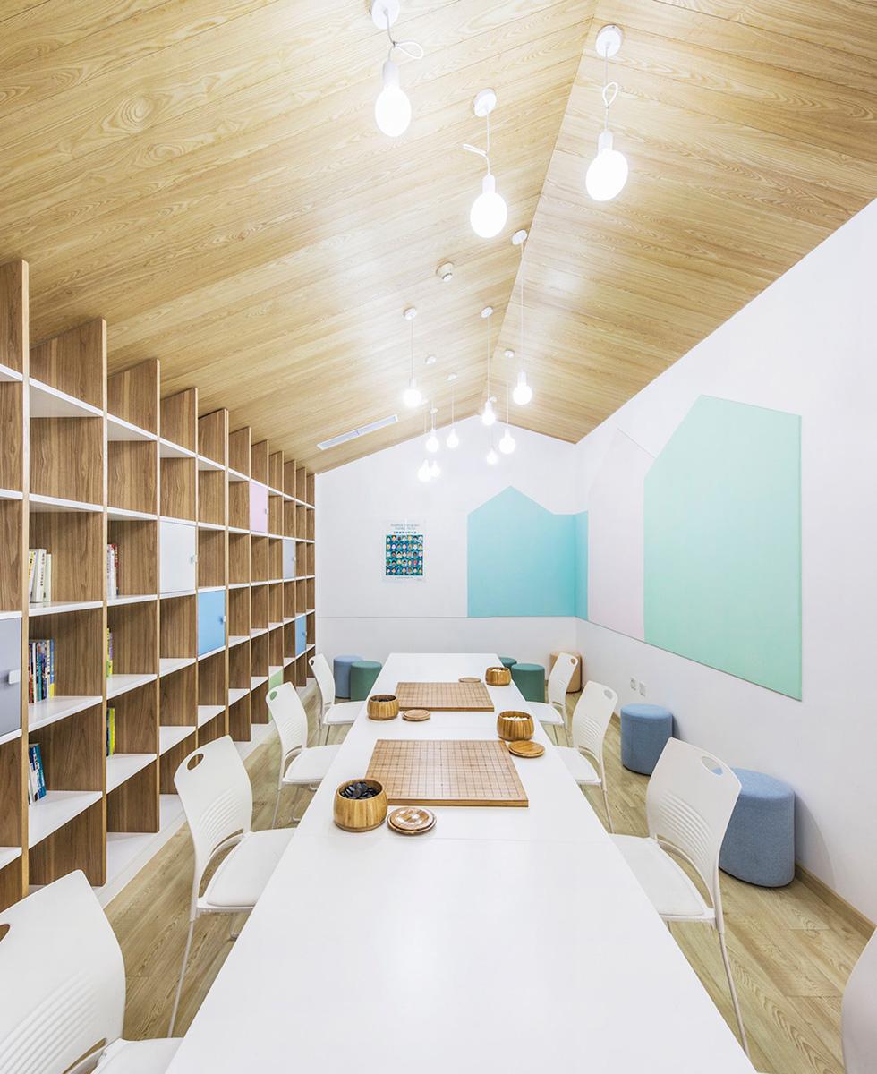07-big-family-community-center-mat-office