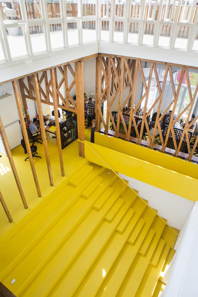 07-oficinas-fahrenheit-ddb-mas-uno-studio