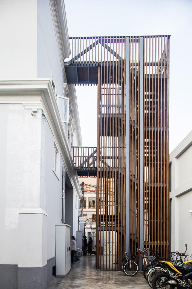 08-oficinas-fahrenheit-ddb-mas-uno-studio
