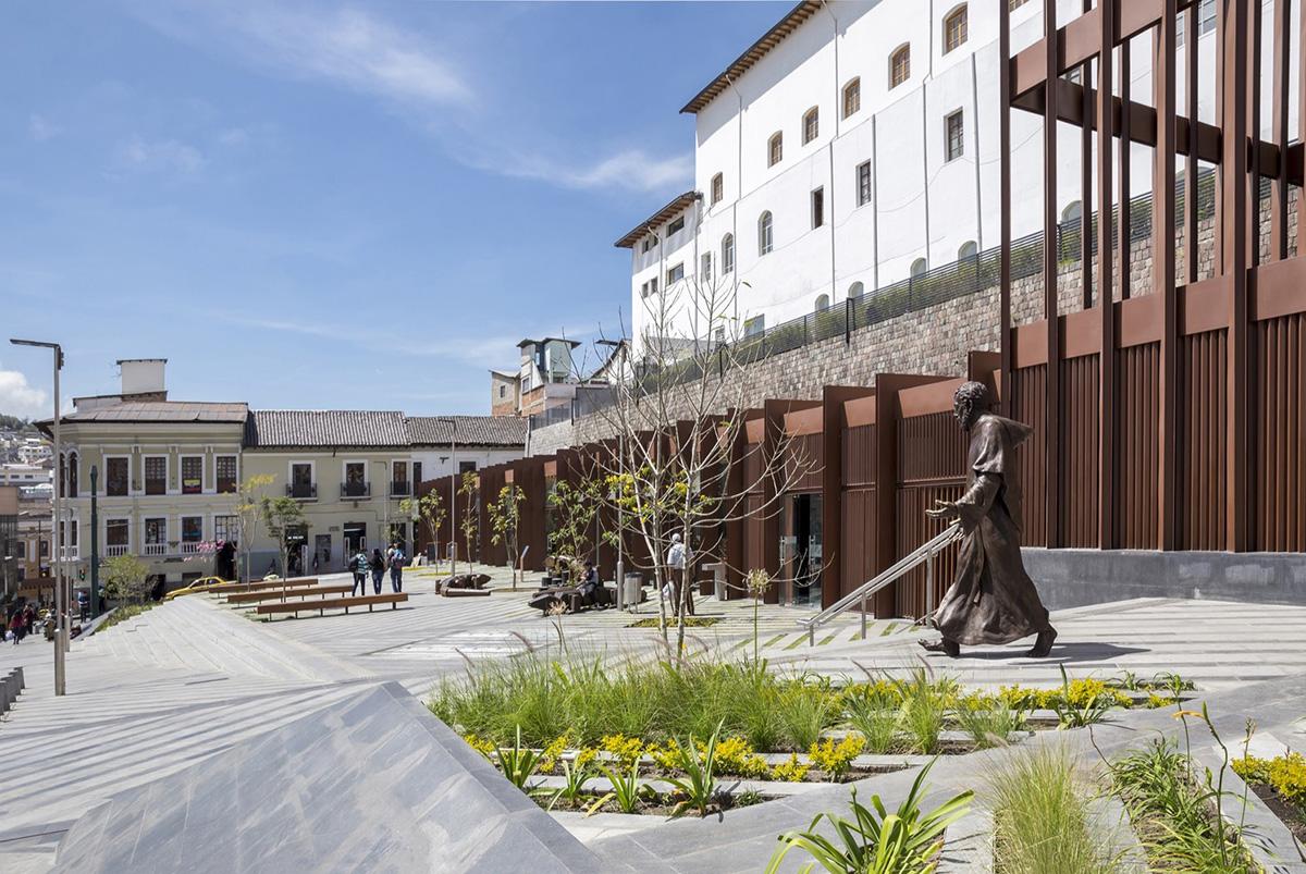 04-plaza-huerto-san-agustin-jaramillo-van-sluys-arquitectura-urbanismo