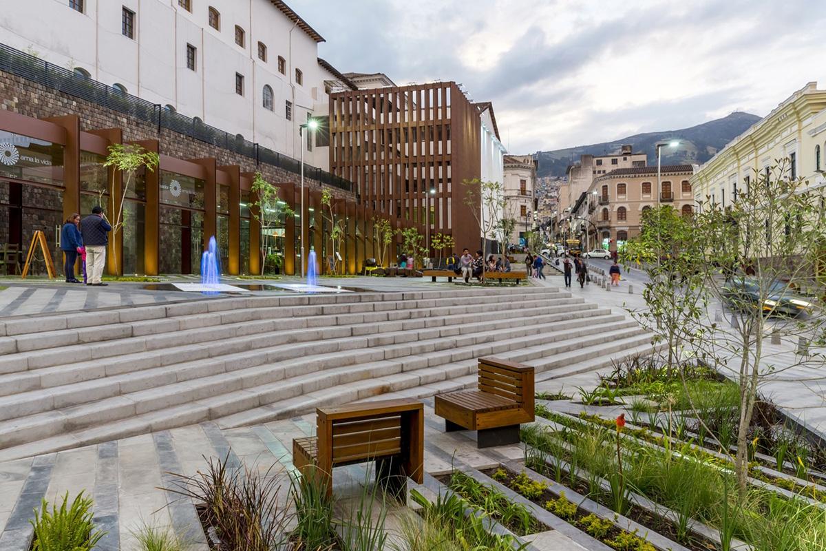 05-plaza-huerto-san-agustin-jaramillo-van-sluys-arquitectura-urbanismo