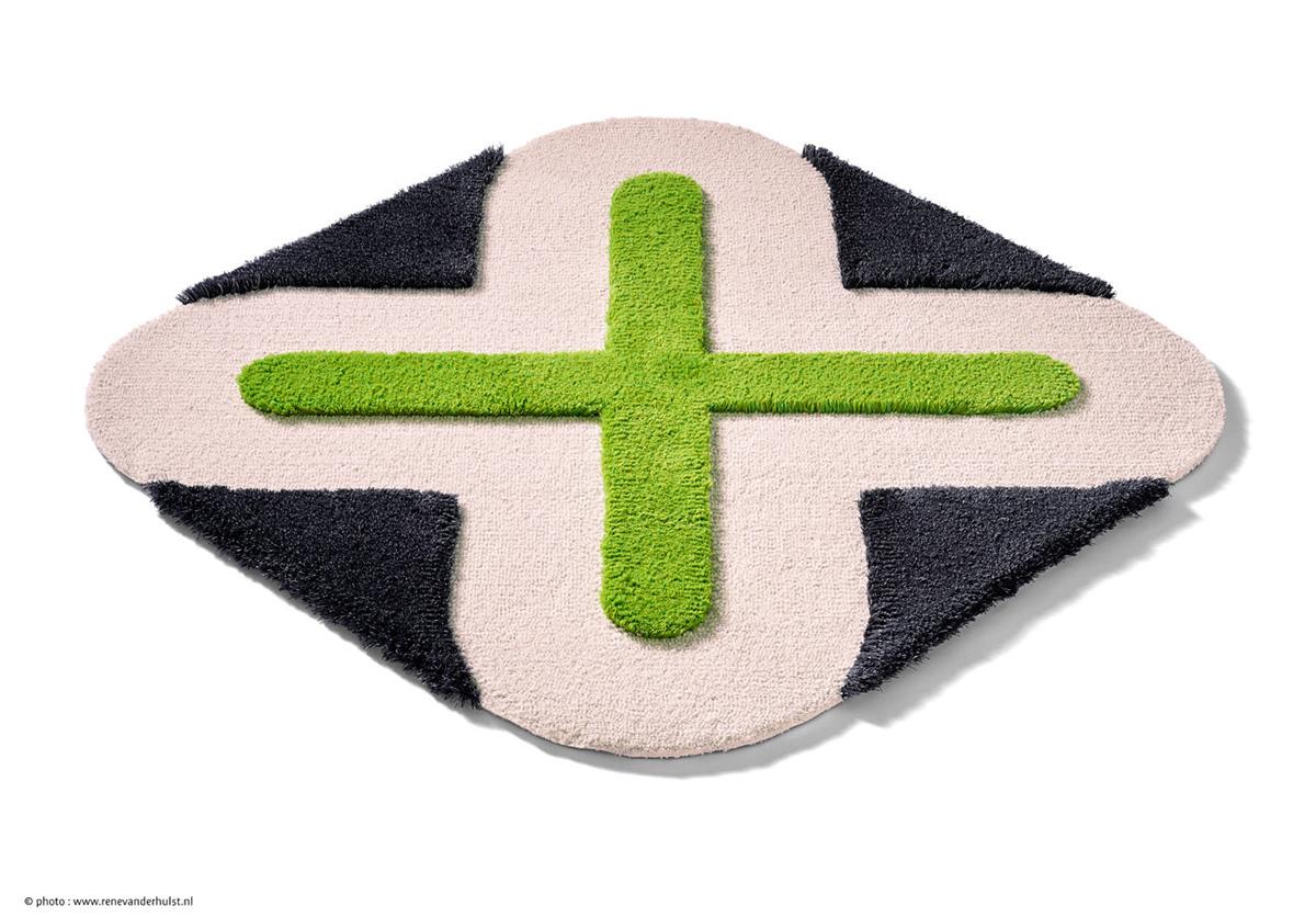 12-lush-karim-rashid-carpet-sign-kardinal