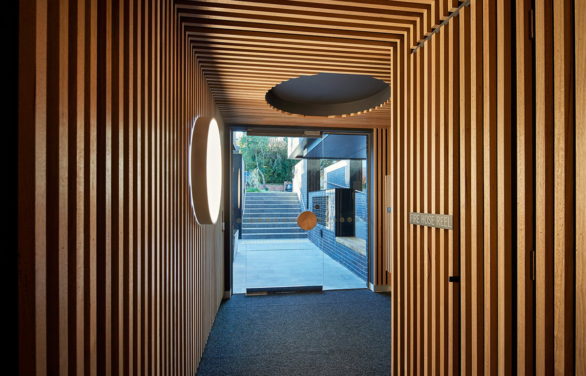 03-cirqua-apartments-bkk-architects