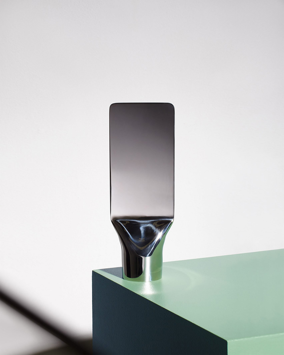 03-press-mirror-philippe-malouin-umbra-shift