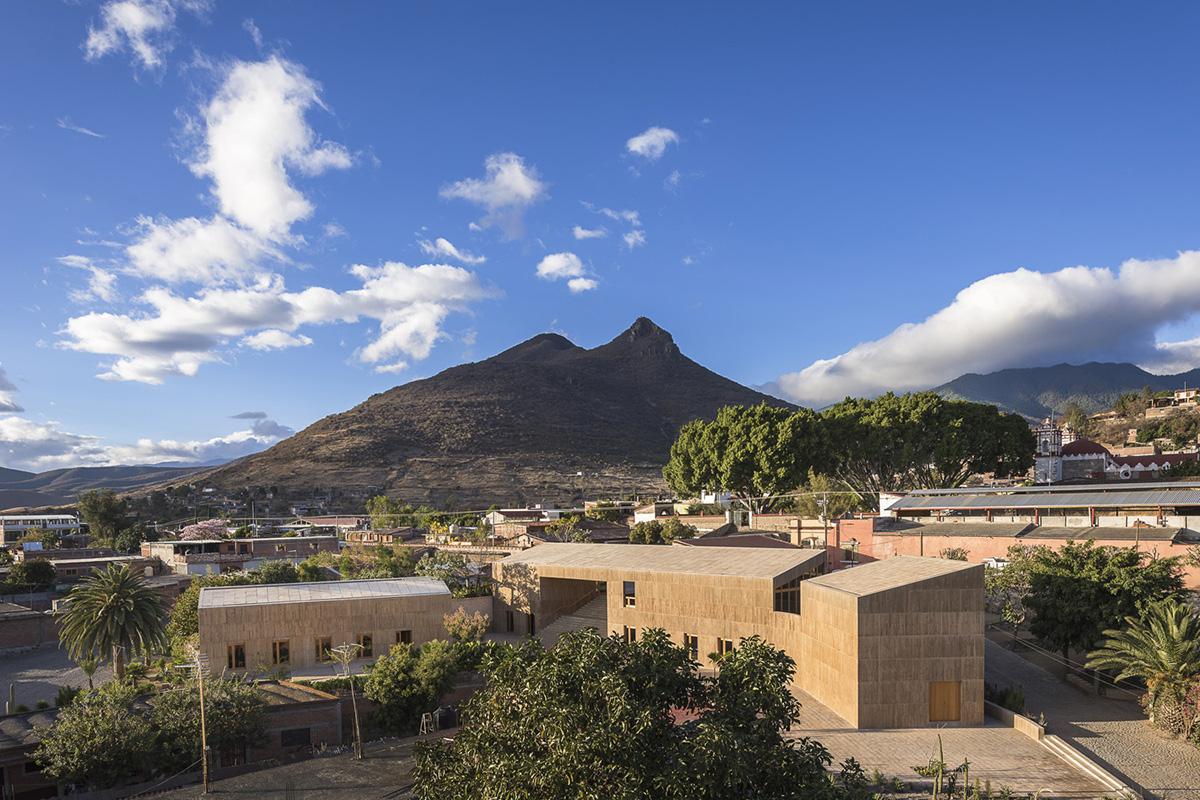01-centro-cultural-comunitario-teotitlan-del-valle-productora