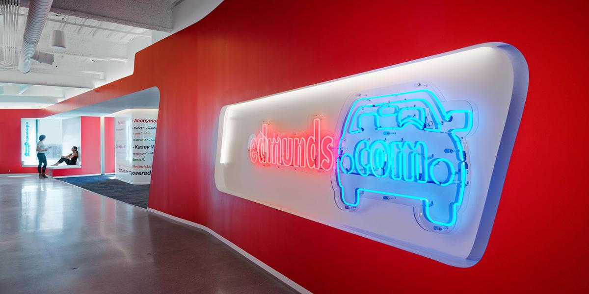 01-oficinas-edmunds-com-mm-creative
