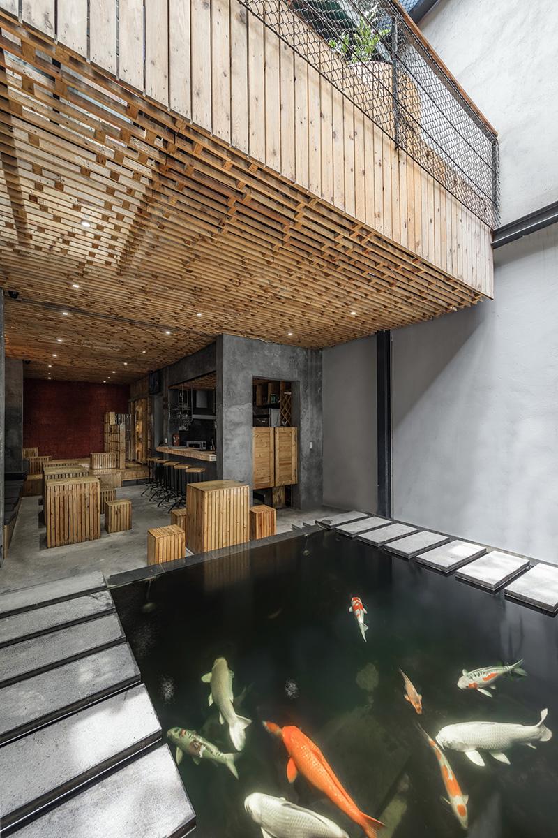03-koi-cafe-farming-studio