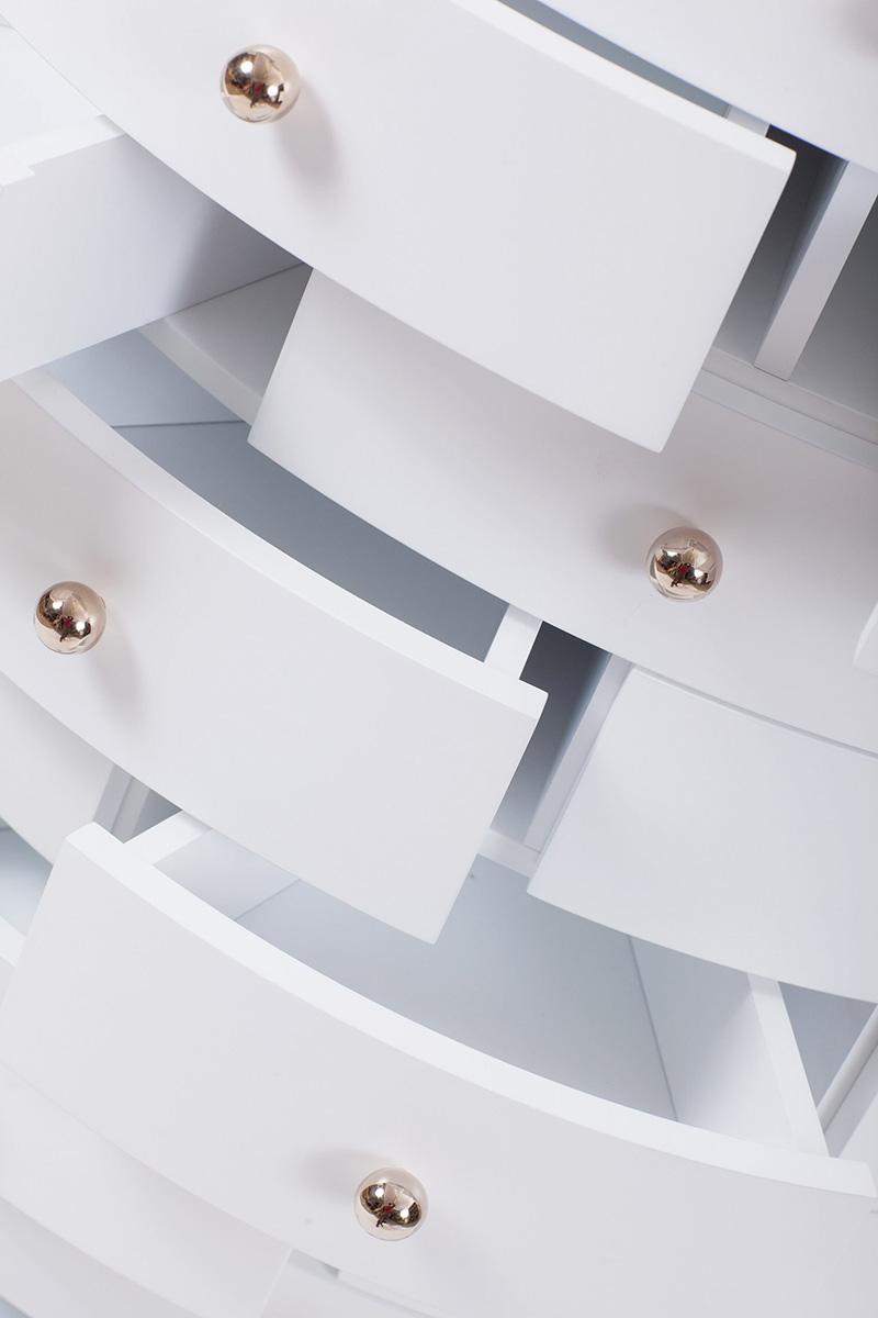 04-tower-cabinet-nika-zupanc