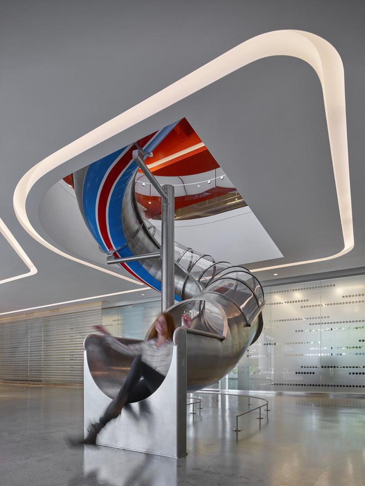 07-oficinas-edmunds-com-mm-creative