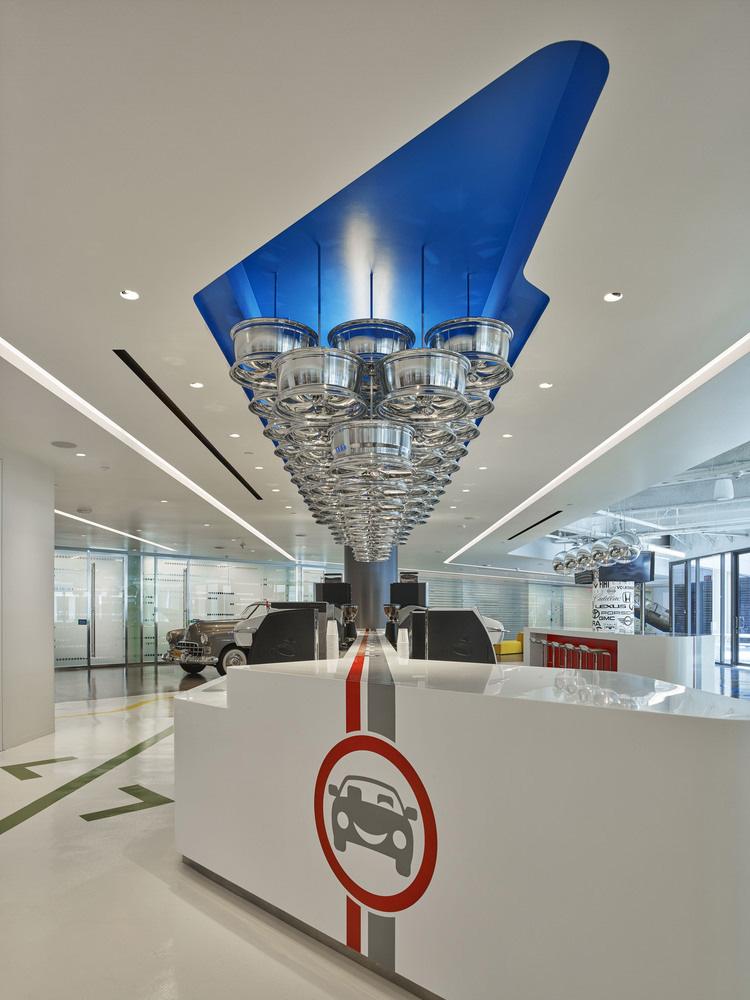 09-oficinas-edmunds-com-mm-creative