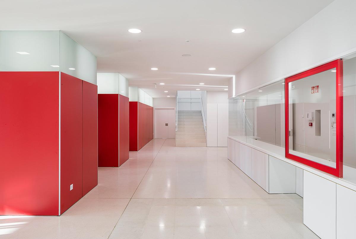 13-colegio-casi-invisible-ablm-arquitectos-foto-miguel-de-guzman