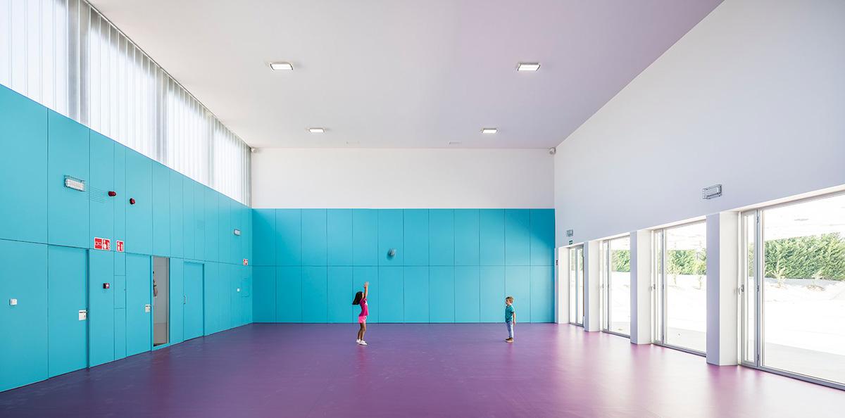 14-colegio-casi-invisible-ablm-arquitectos-foto-miguel-de-guzman