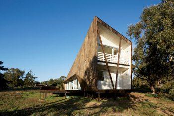 01-arquitectura-chilena-casa-dos-pieles-veronica-arcos-foto-cristobal-palma