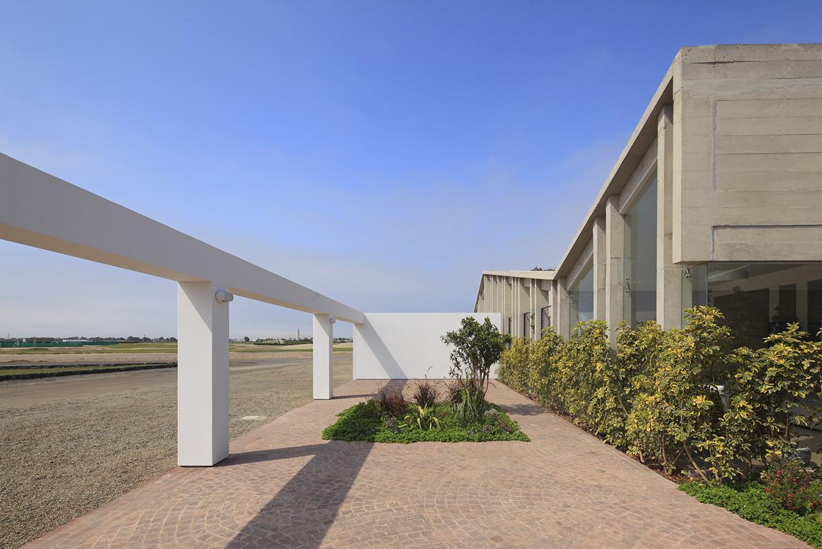 04-casa-mw-por-riofriorofrigo-arquitectos-foto-juan-solano-ojasi