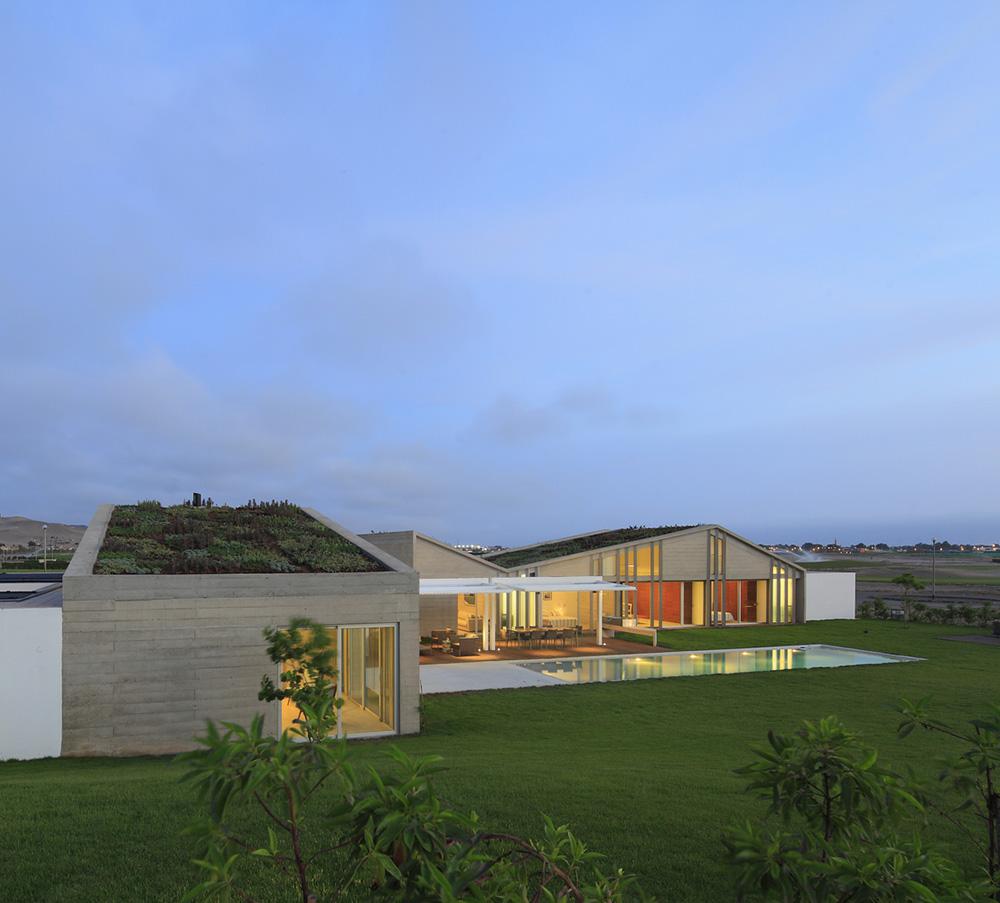 07-casa-mw-por-riofriorofrigo-arquitectos-foto-juan-solano-ojasi