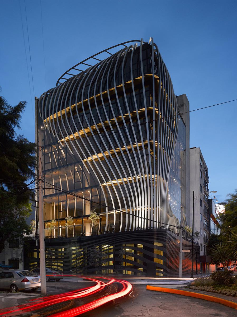 02-threads-belzberg-architects-foto-roland-halbe