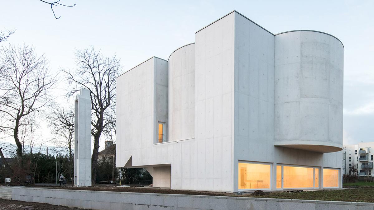 01-iglesia-saint-jacques-la-lande-alvaro-siza-vieira-foto-joao-morgado