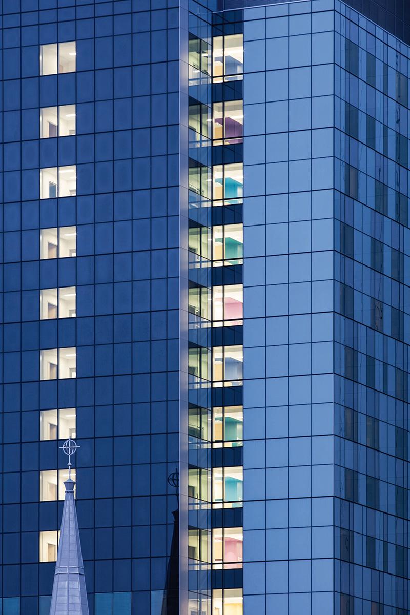 03-centro-hospitalario-la-universidad-montreal-cannon-design-neuf-architectes