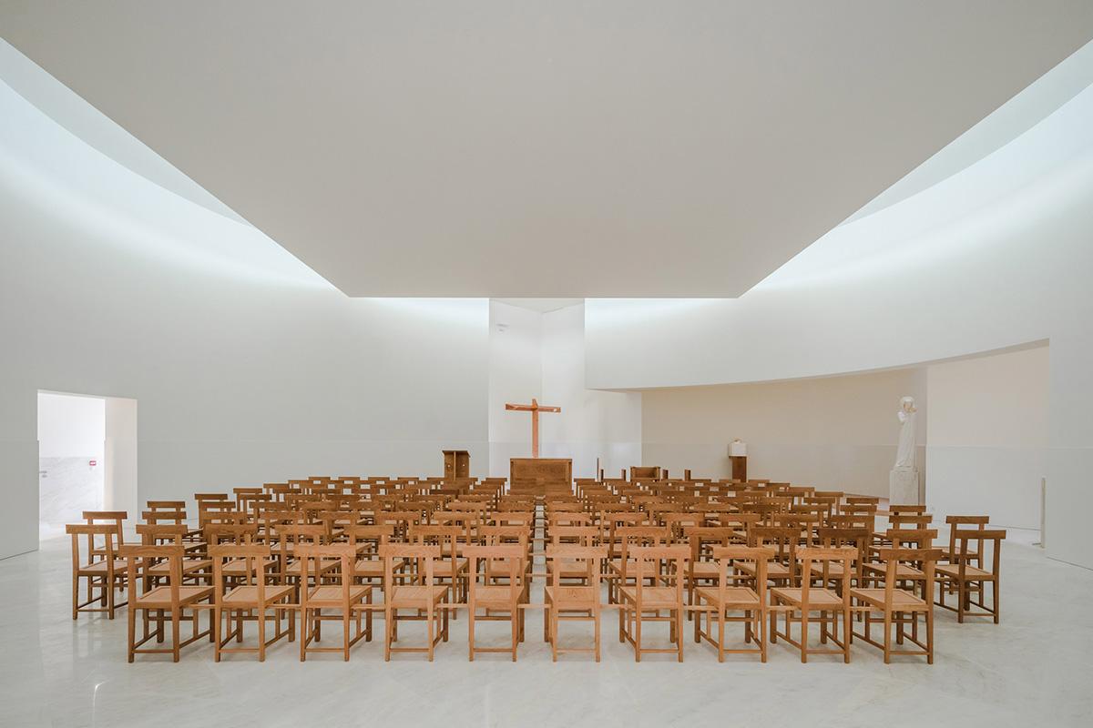 07-iglesia-saint-jacques-la-lande-alvaro-siza-vieira-foto-joao-morgado