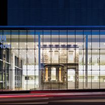 10-centro-hospitalario-la-universidad-montreal-cannon-design-neuf-architectes