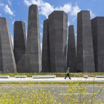 12-arquitectura-chilena-memorial-27f-juan-agustin-soza-ricardo-atanacio-foto-marcos-mendizabal