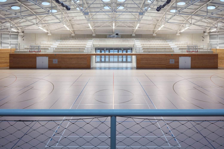 7-centro-deportivo-Dolní-Břežany