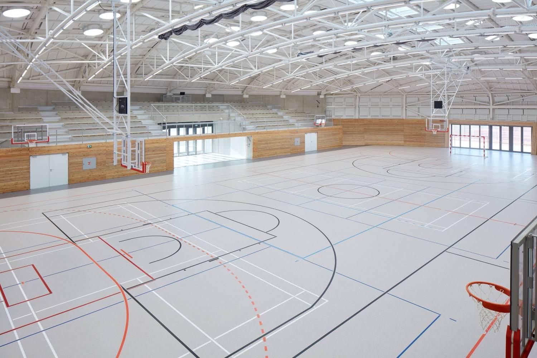 8-centro-deportivo-Dolní-Břežany