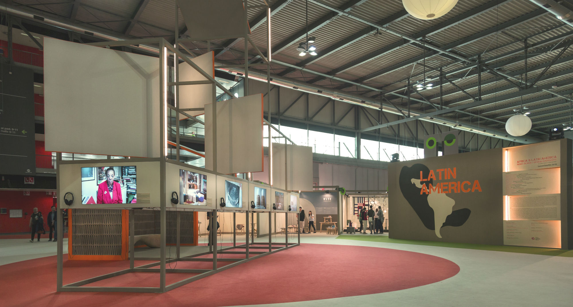 SaloneSatellite-02