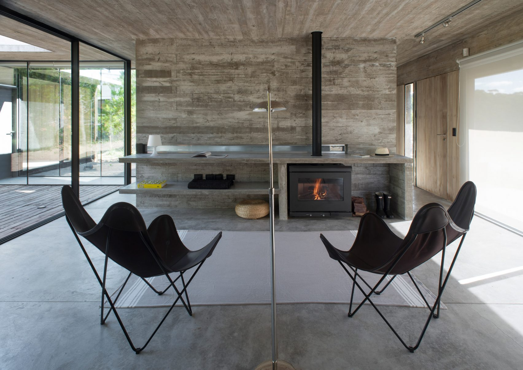 casa-ecuestre-luciano-kruk-house-residence-buenos-aires_dezeen_2364_col_16-1704x1207