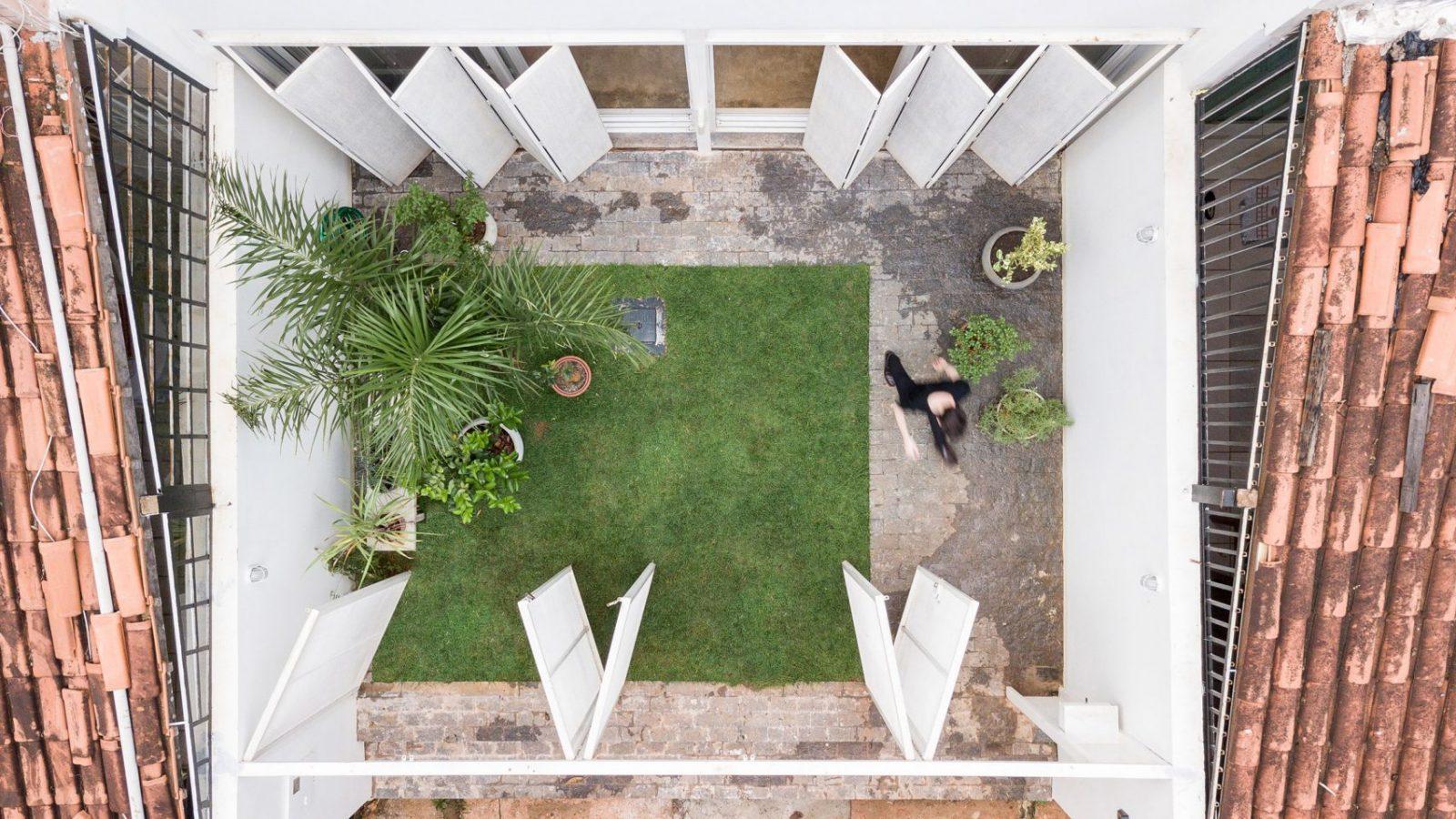 casa-711h-bloco-arquitetos-Joana-Franca-01-1600x900