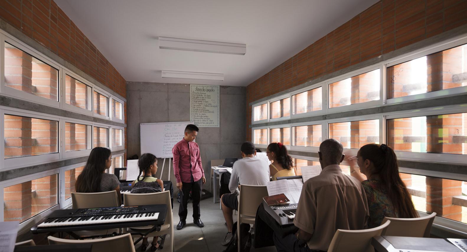 escuela-musica-la-candelaria-espacio-colectivo-Federico-Cairolli-04
