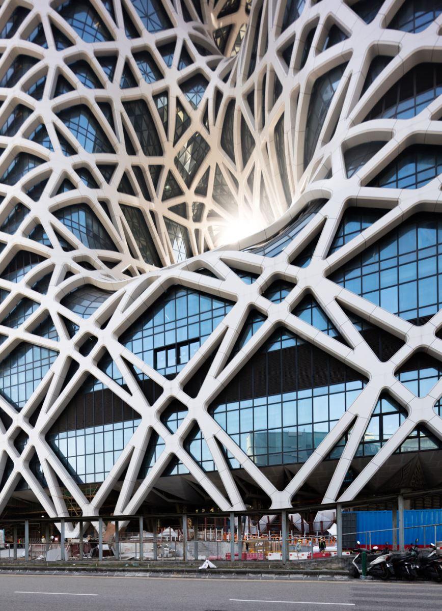 hotel-morpheus-zaha-hadid-architects-2