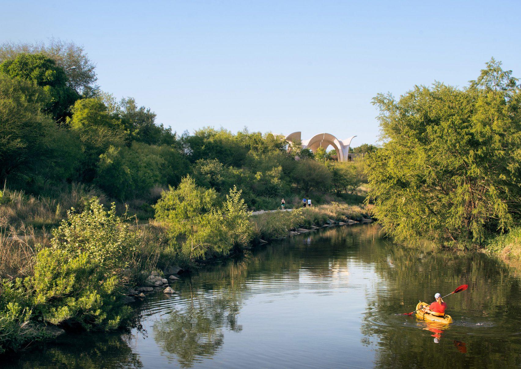 confluence-park-lake-flato-casey dunn-13