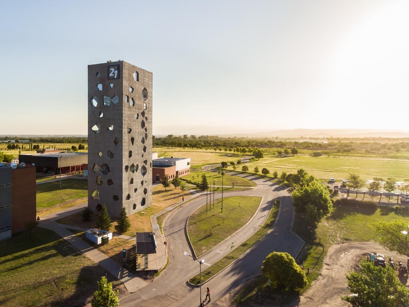 edificio-experimenta-21-mgm-arquitectos-gonzalo-viramonte-PRINCIPAL