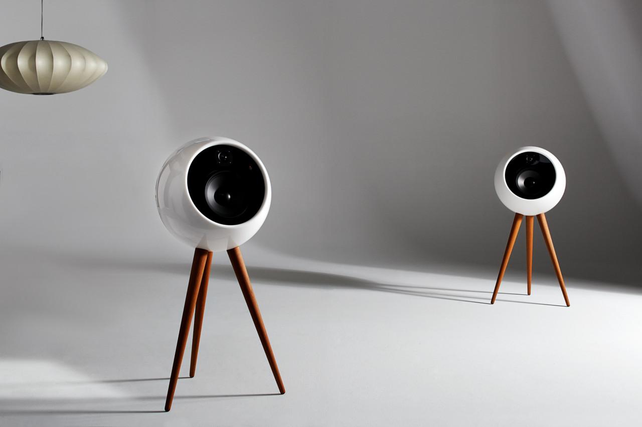 moonraker-bossa-robert-cardellino-02