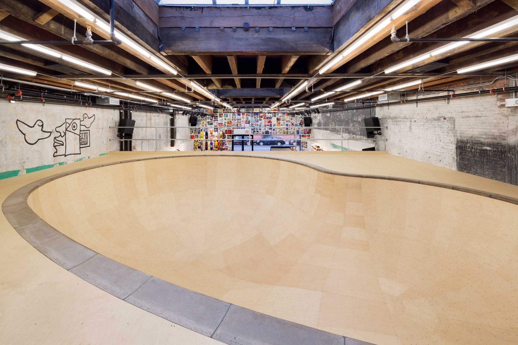 supreme-brooklyn-store-neil-logan-architect-4
