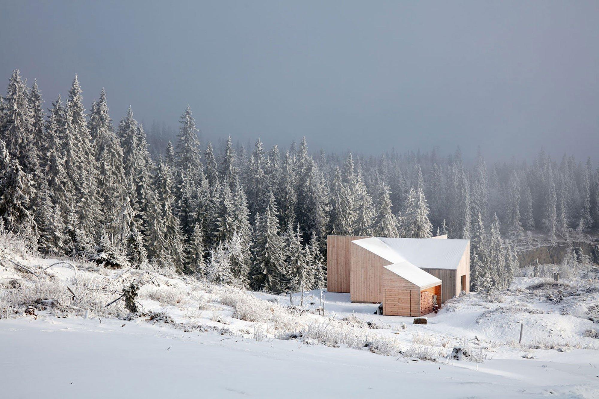 mylla-house-Mork-Ulnes Architects-Bruce-Damonte-05