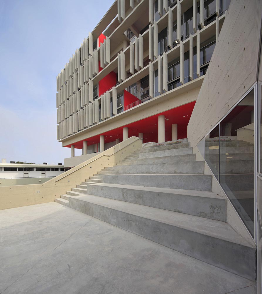 Complejo-Academico-PUCP-Tadem-Arquitectura-juan-solano-ojasi-04