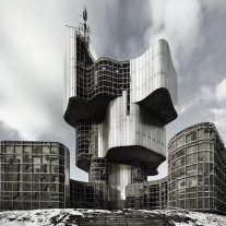 Toward-Concrete-Utopia-MoMA-monument_uprising_people_kordun_banija-06